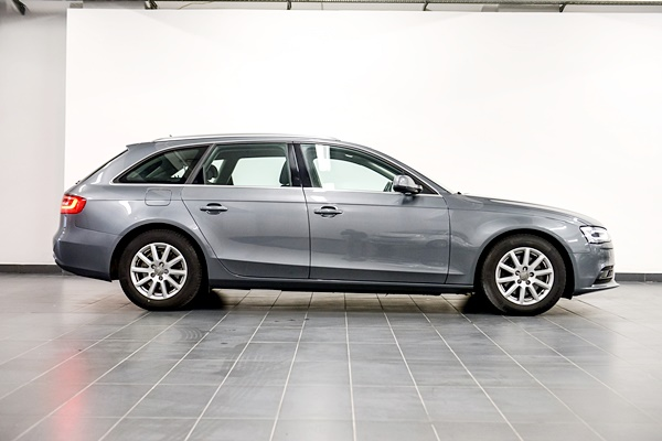 Audi A4 Avant 2.0 TDi Business Line full